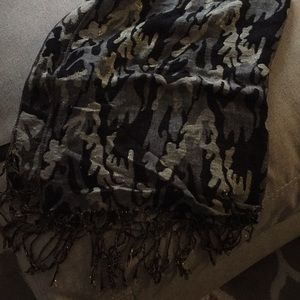 Accessories - Scarf / shall